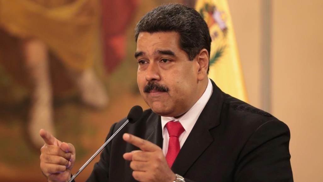رداً على قرار إرسال سفن إلى البحر الكاريبي.. مادورو يعلن الجاهزية للقتال