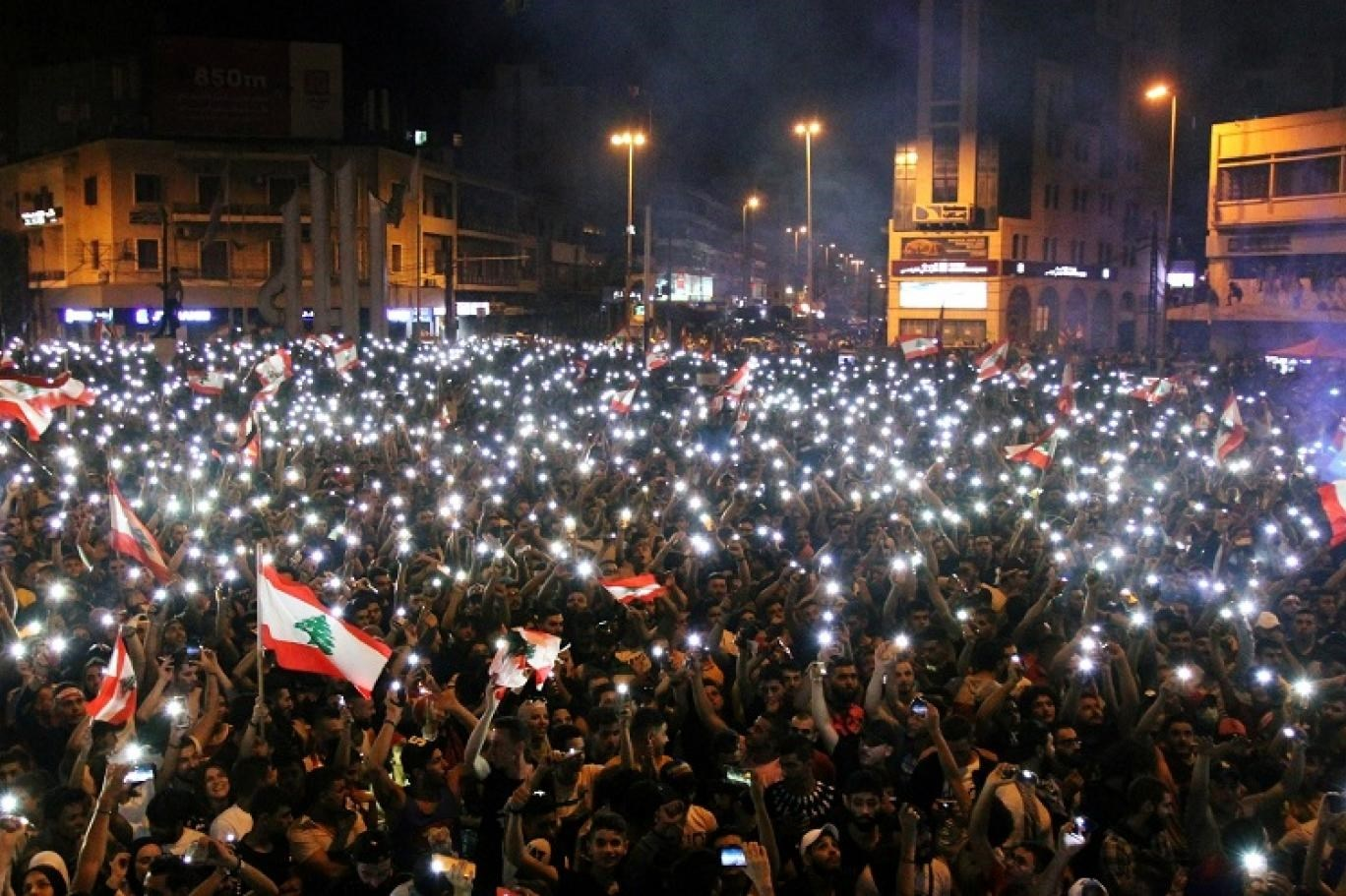 """إنجازات """"الثوار"""" الوهمية في لبنان"""