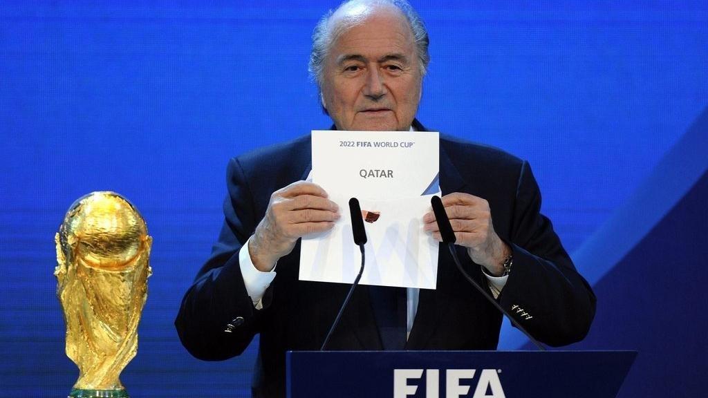 بلاتر: تدخل سياسي منح قطر مونديال 2022!