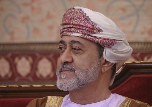 سلطان عُمان يعفو عن قرابة 600 سجين بينهم أكثر من 300 أجنبيّ