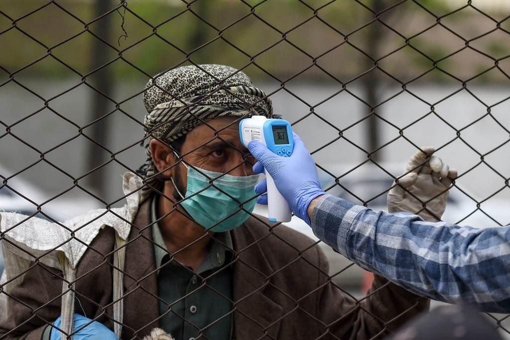 """تقرير أميركي: أفغانستان قد تواجه """"كارثة صحية"""" بسبب كورونا"""