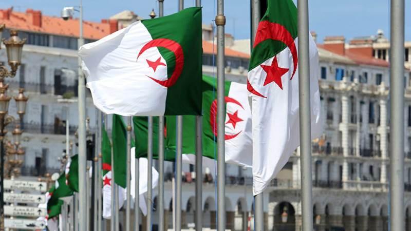 بالرغم من أزمتها الاقتصادية.. الجزائر تقر زيادة معاشات التقاعد