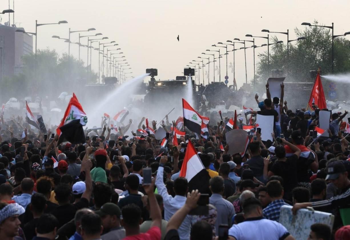 تجدد المواجهات بين قوات الأمن العراقية والمتظاهرين وسط بغداد