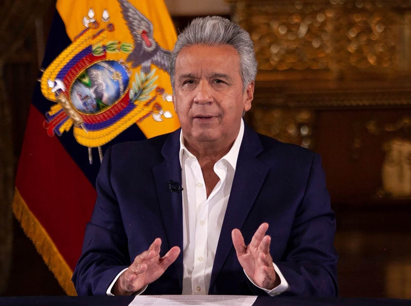 رئيس الإكوادور يخفّض راتبه ورواتب مسؤولين 50% بسبب كورونا