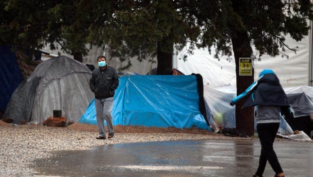 اليونان تمدد الحجر المفروض على مخيمات المهاجرين