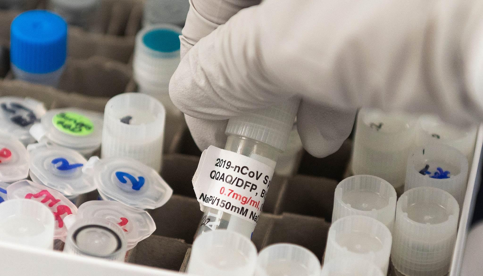 خبير أوبئة روسي: كورونا سيعود في الخريف واللقاح ليس حلاً سحرياً