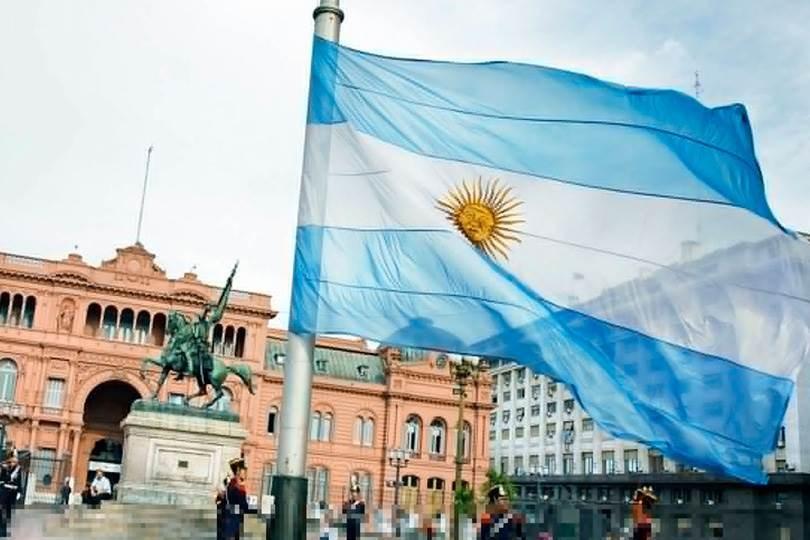 الأرجنتين تمدد مقترحها لإعادة هيكلة ديونها