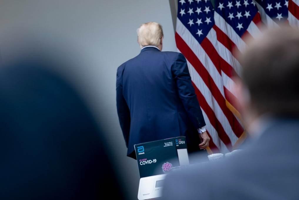 """ترامب قبل قطع مؤتمره الصحافي: """"سؤالك قبيح""""!"""