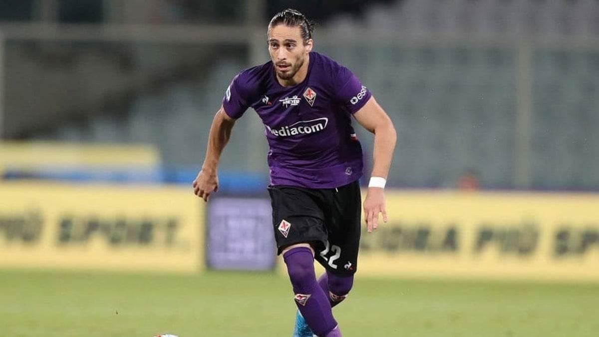 كاسيريس أحد لاعبي فيورنتينا المصابين بكورونا