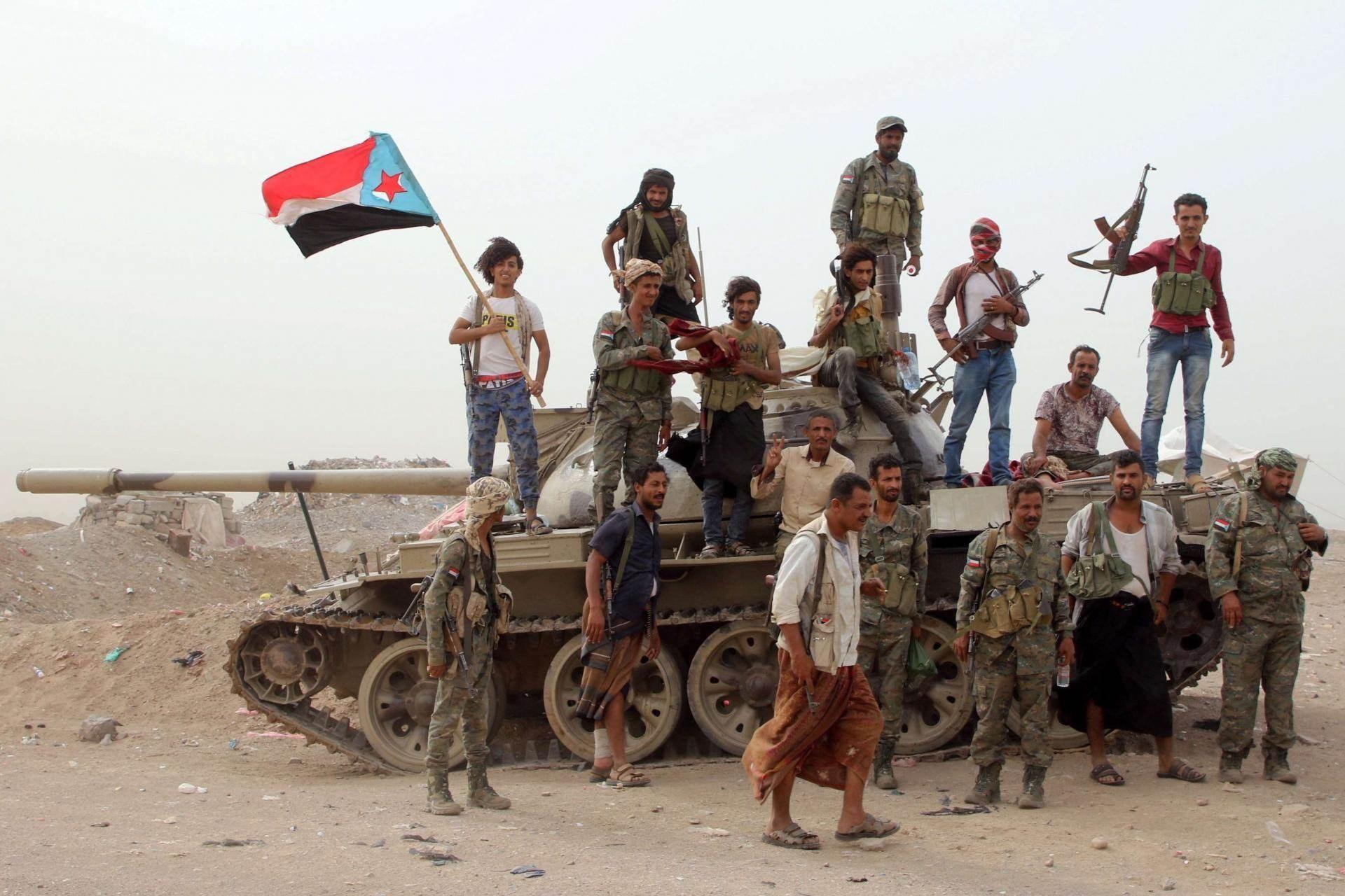 المجلس الانتقالي يدعو الى إطلاق عمليات عسكرية ضد قوات هادي في حضرموت