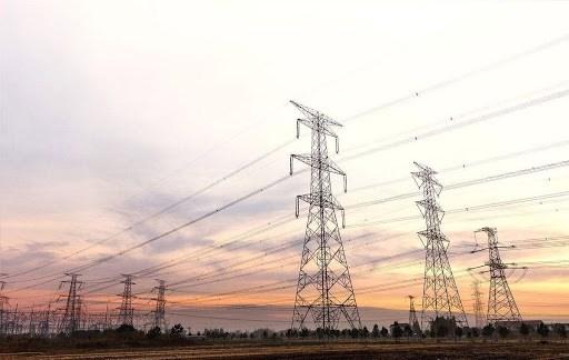 """""""داعش"""" يفجّر برج نقل طاقة كهربائية في كركوك"""