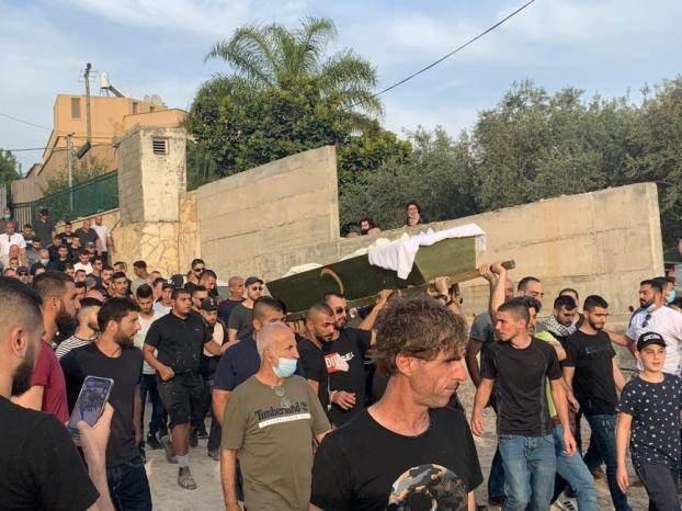تشييع حاشد لشهيد فلسطيني وتظاهرة في وادي عارة