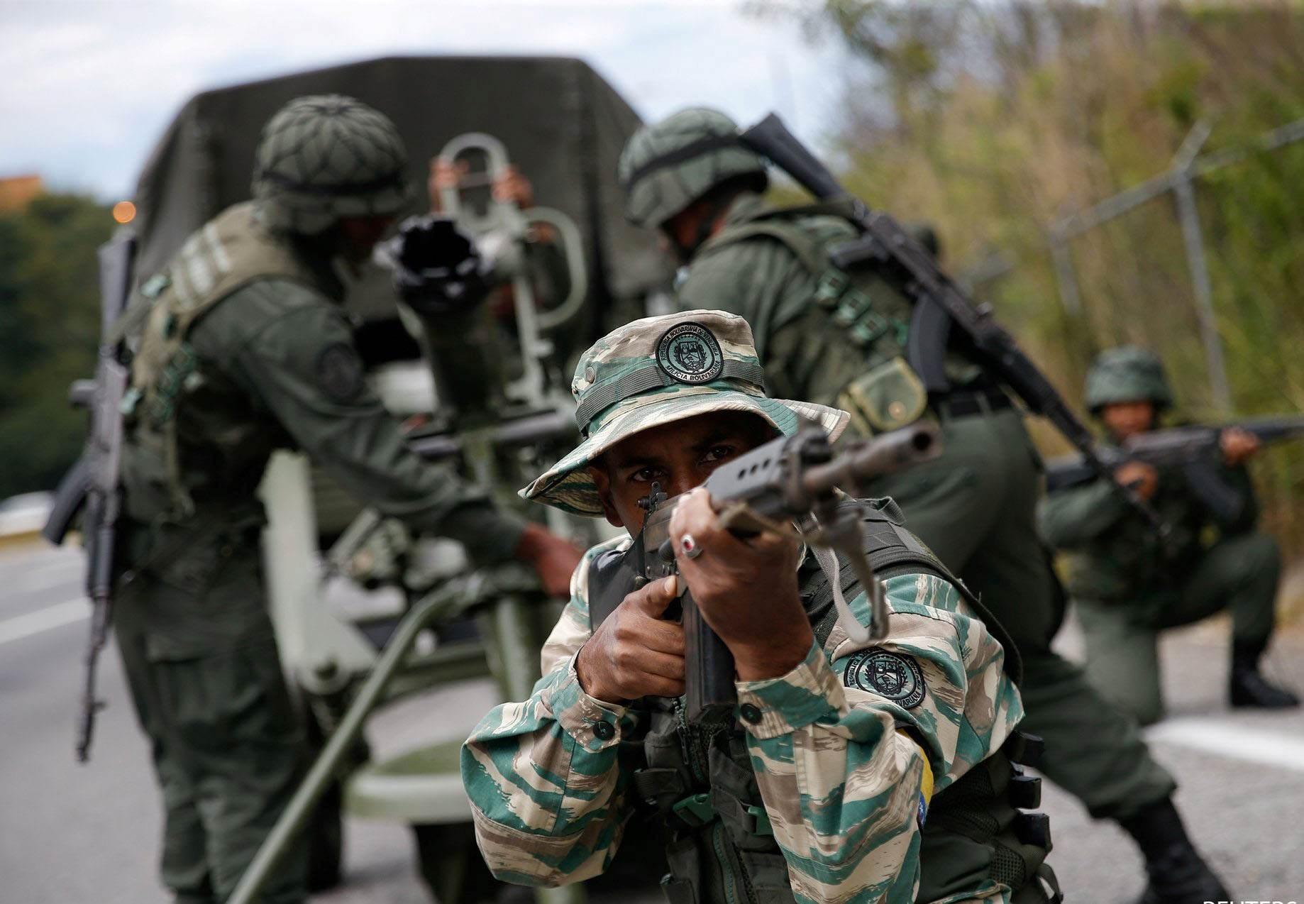اعتقال فارين من الجيش الفنزويلي قرب الحدود مع كولومبيا