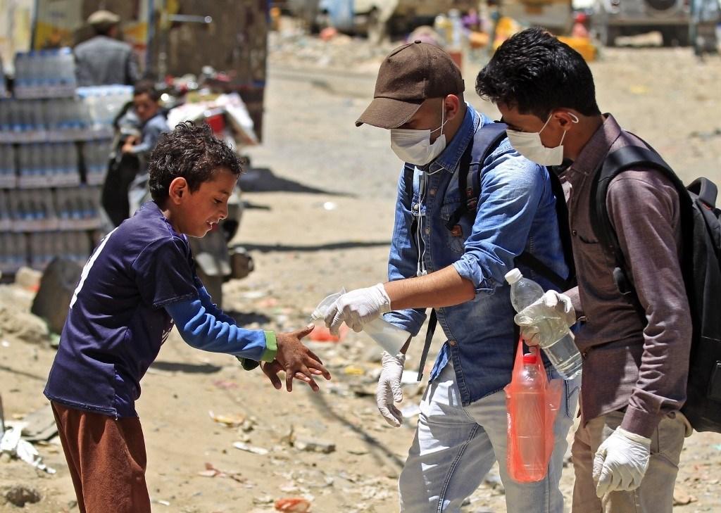 """""""الصحة العالميّة"""" تحذر من صعوبة احتواء كورونا في اليمن"""