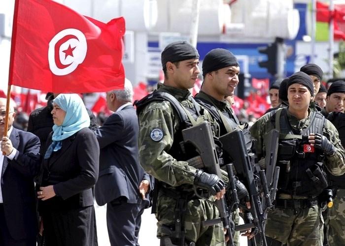 تونس تعزز استراتيجيتها الهجومية لمحاصرة الإرهابيين