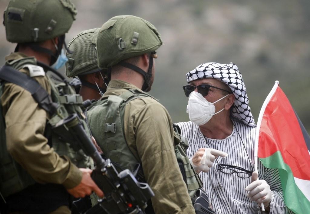 حماس: ثورة شعبنا العارمة في وجه الإحتلال مسألة وقت فقط