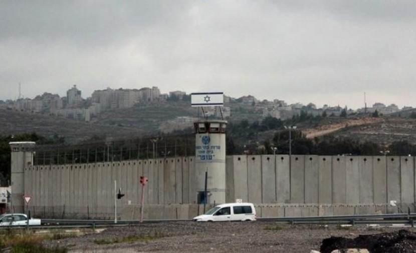 """""""أسرى فلسطين"""": أوضاع قاسية للأسرى في سجن النقب نتيجة موجه الحر"""