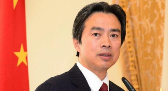 """العثور على السفير الصيني في """"إسرائيل"""" ميتاً في شقته"""