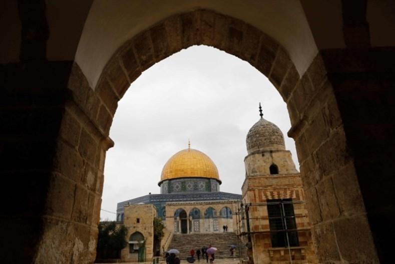بين حارس القدس وشهيدها وجنودها