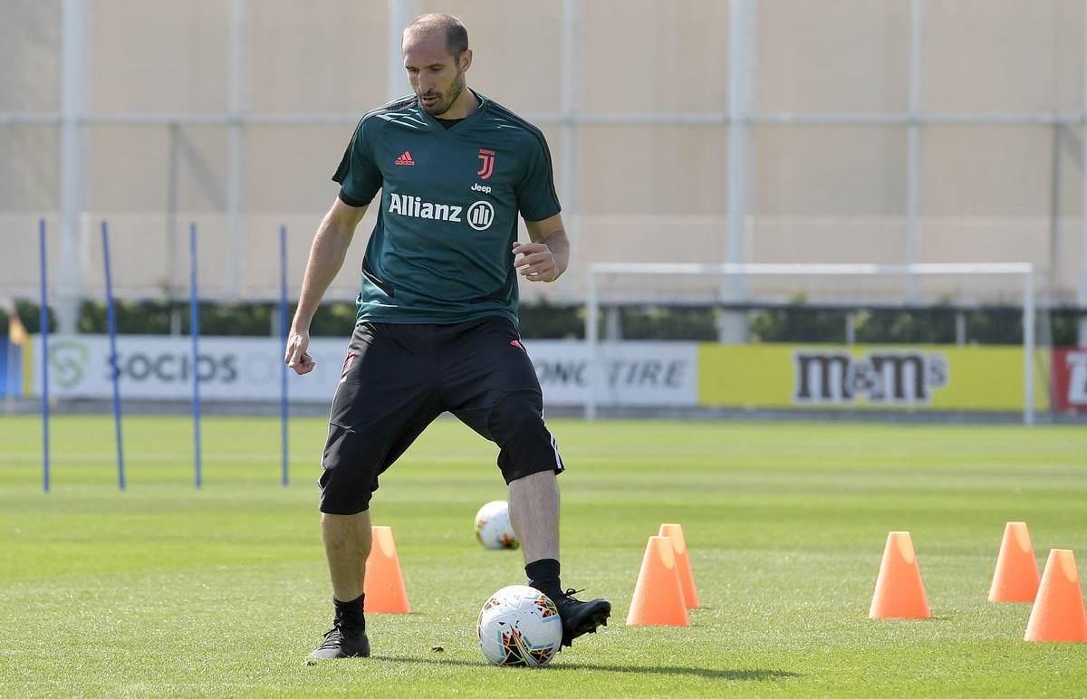 أندية إيطاليا وإسبانيا تعود للتدريبات بدءاً من الغد