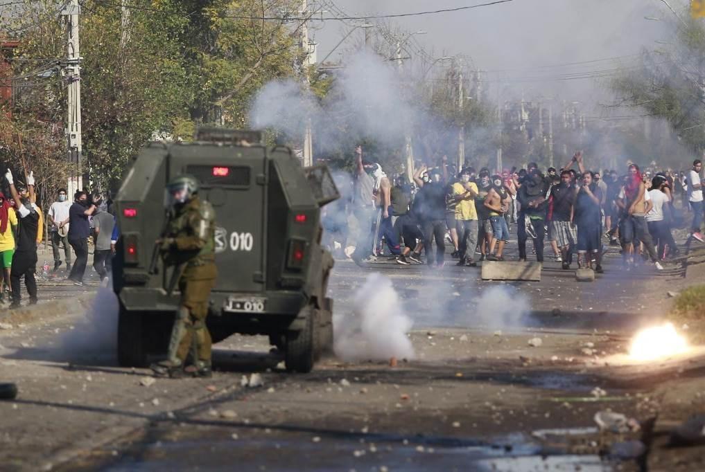 تظاهرات في تشيلي ضد نقص الغذاء بسبب إجراءات كورونا