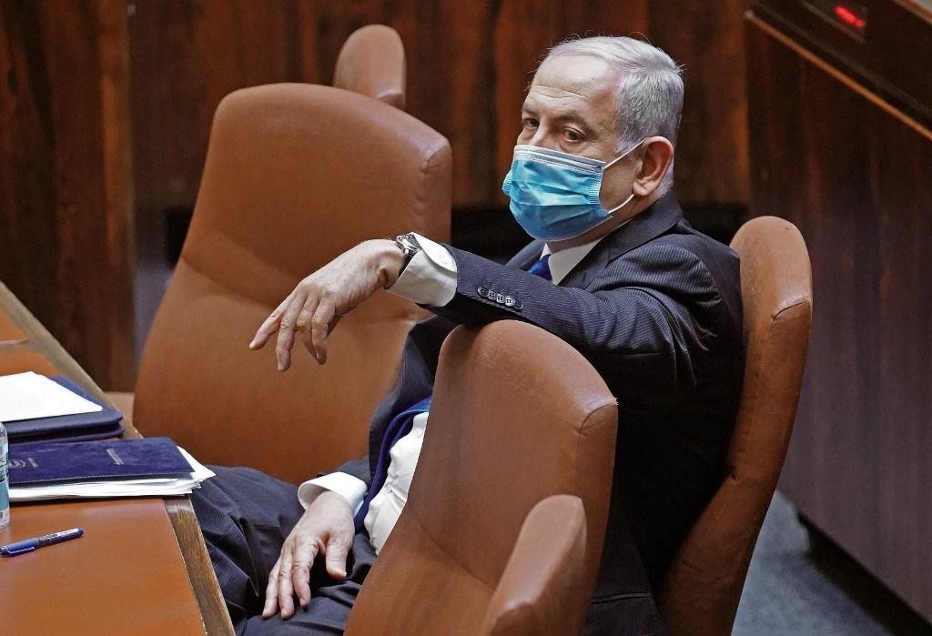نتنياهو يطلب إعفاءً من حضور محاكمته بتهم فساد الأحد