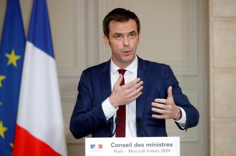 فرنسا تتجه لفرض حجر صحي 14 يوماً على القادمين إليها