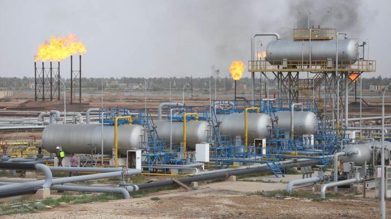 بسبب تكاليف التخزين... شركات النفط تلجأ إلى كهوف الملح وعربات القطار