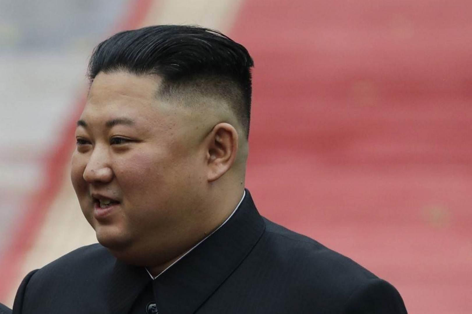 ظهور إعلامي للرئيس الكوري الشمالي يكذب الإشاعات حول وفاته