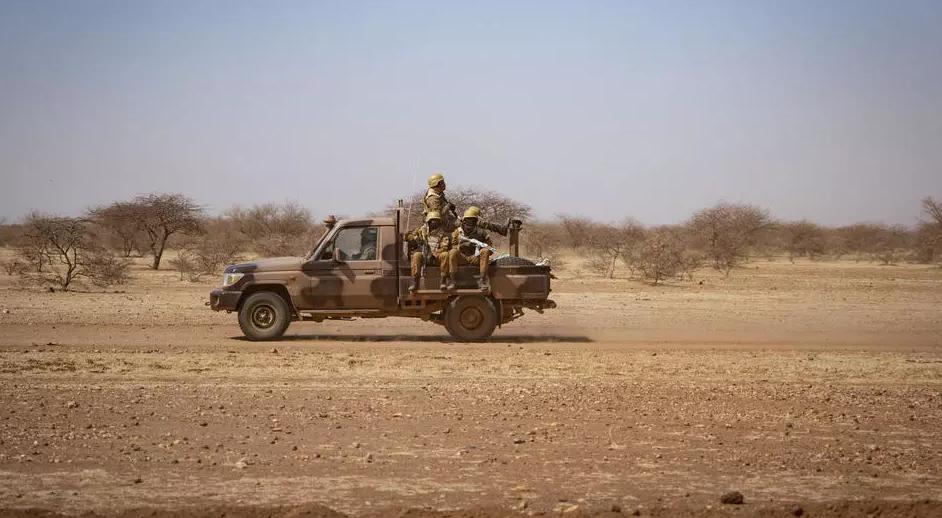 مقتل 12 جندياً بالنيجر و7 بينهم جنديان في بوركينا فاسو بهجمات مسلحة