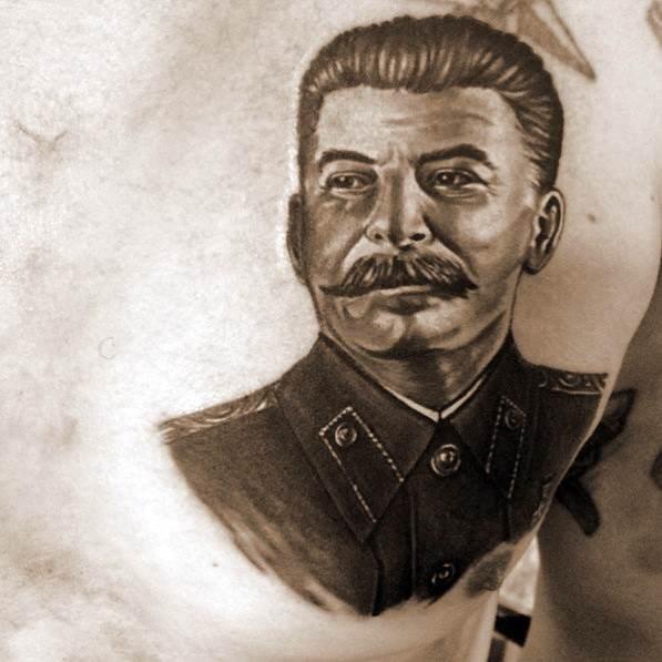 وشوم لينين وستالين على أجسام المساجين.. لماذا؟