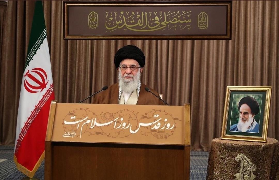 """السيد خامنئي: لا تحاور """"إسرائيل"""" إلا بالقوة وحماس وحزب الله والجهاد أتمّوا الحجة"""
