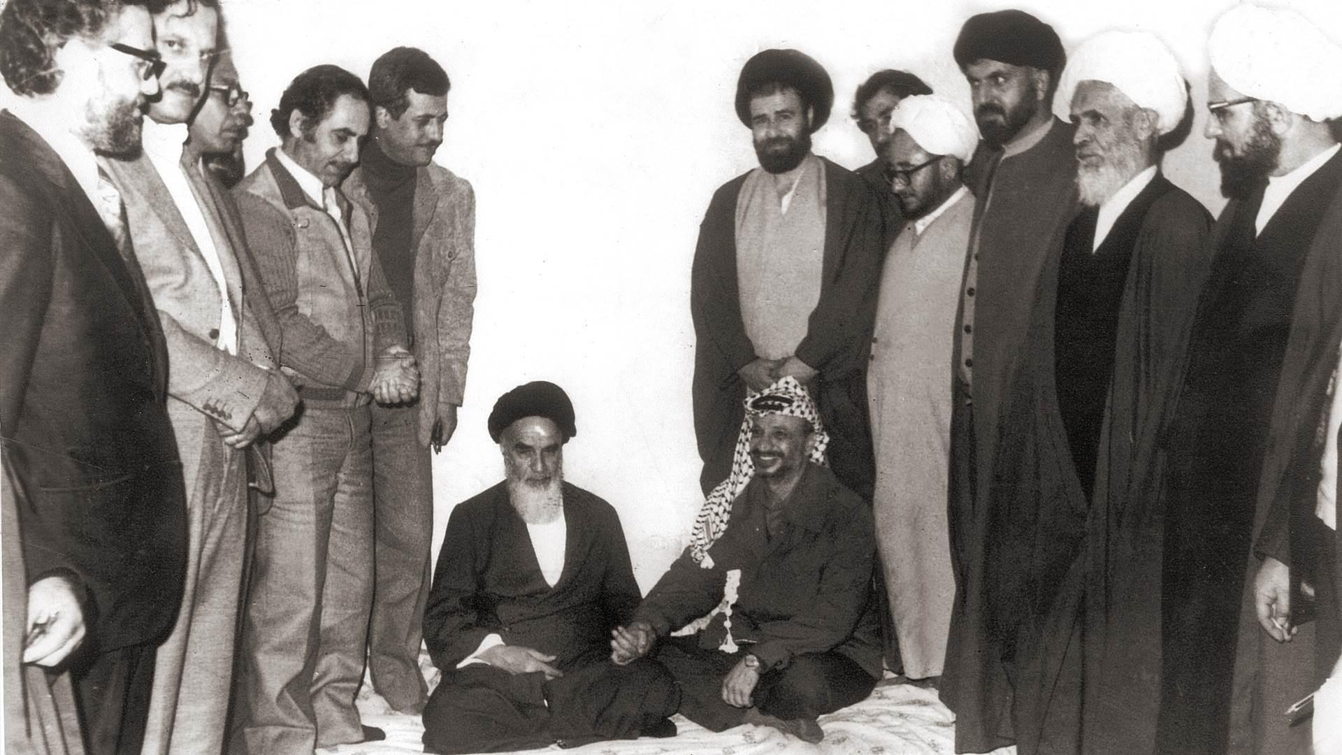 """كيف """"حررت"""" الثورة الإيرانية أول قطعة أرض فلسطينية؟"""