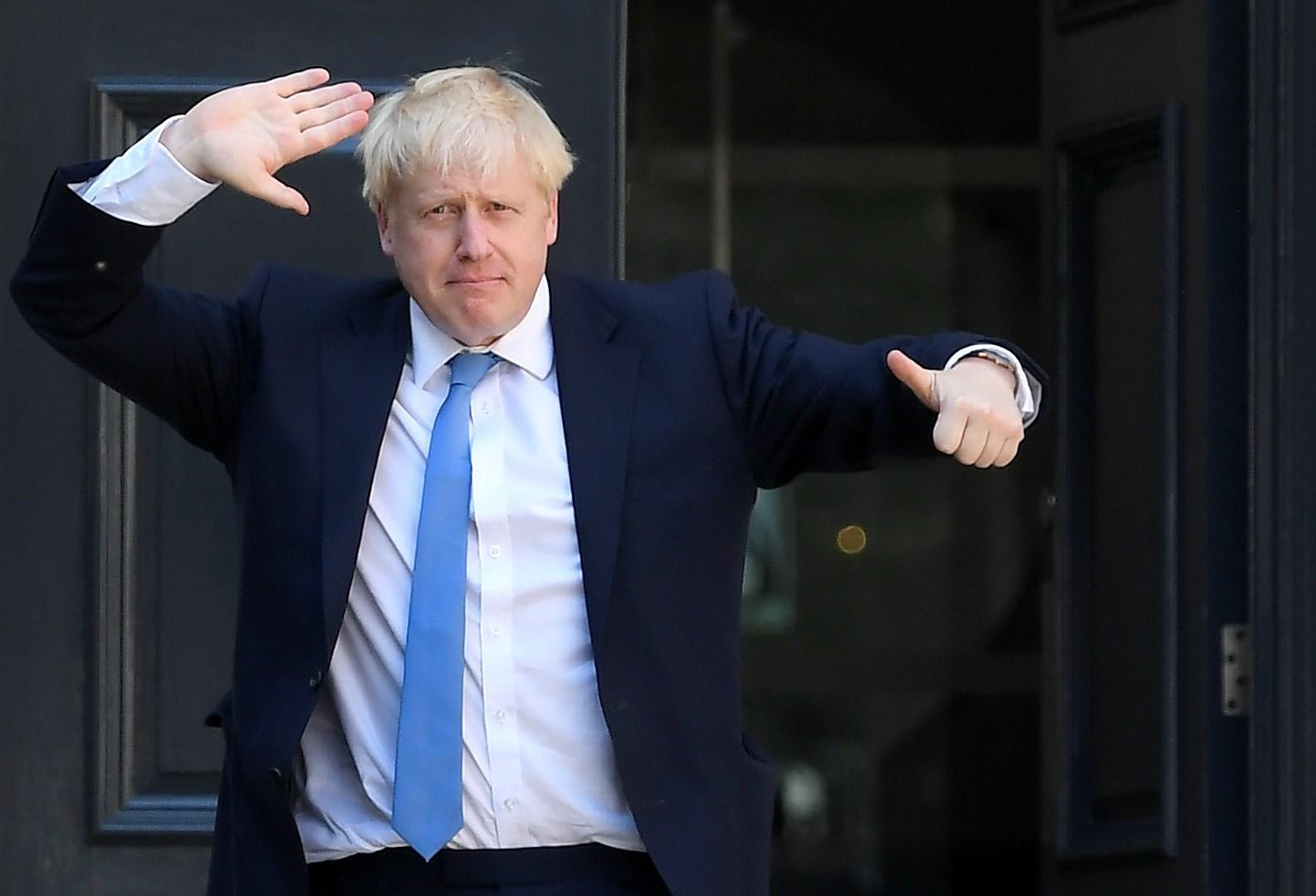 جونسون يعتزم تقليص مشاركة هواوي في شبكة الجيل الخامس البريطانية