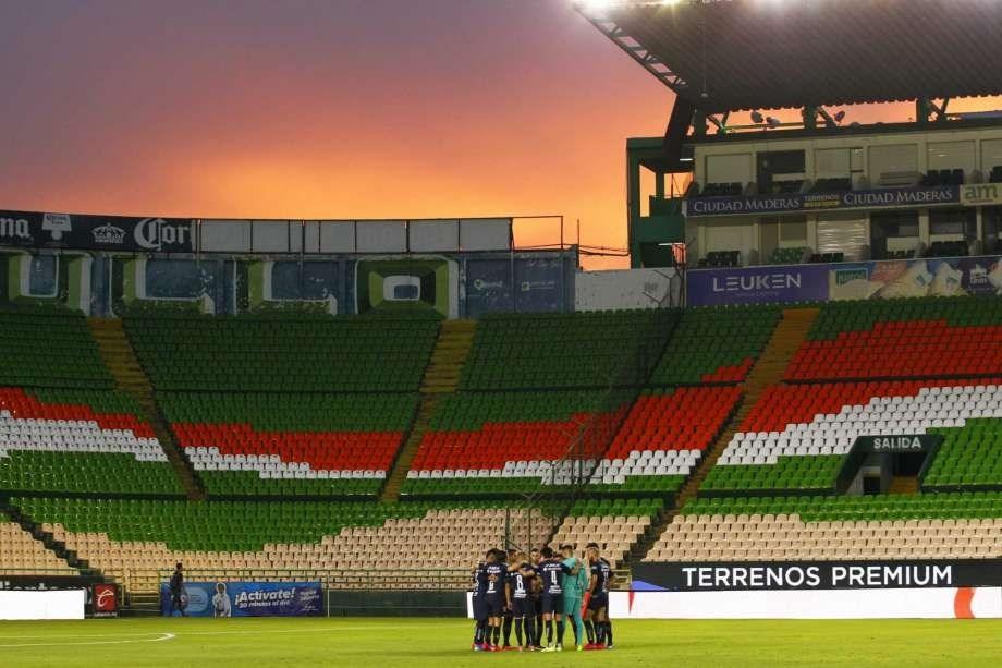 إلغاء الدوري المكسيكي وتسجيل 15 إصابة بكورونا في فريق واحد!
