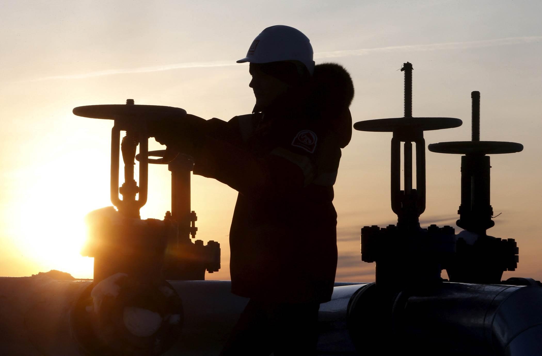 مع هبوط أسعار النفط.. التوتر الأميركي-الصيني يرفع أسعار الذهب