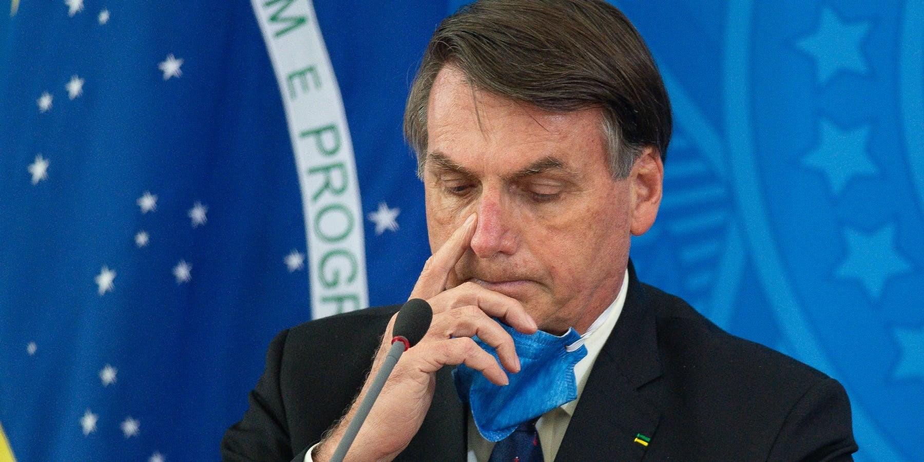 شعبية الرئيس البرازيلي تتراجع.. بولسونارو يفشل في مواجهة كورونا