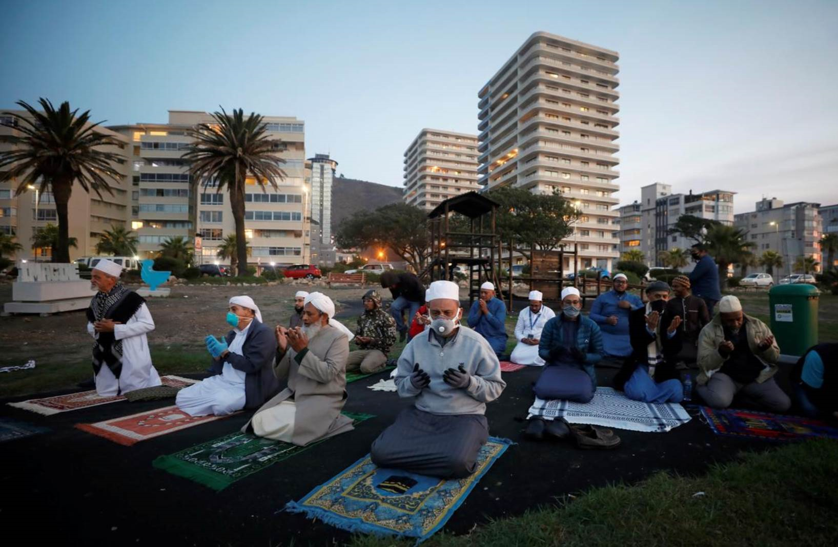 كورونا وقواعد الاشتباك الفقهي إعلامياً في الجزائر