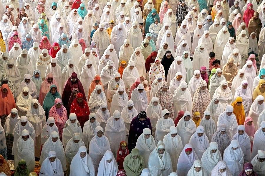 عيد الفطر يحل في عددٍ من الدول العربية والإسلامية