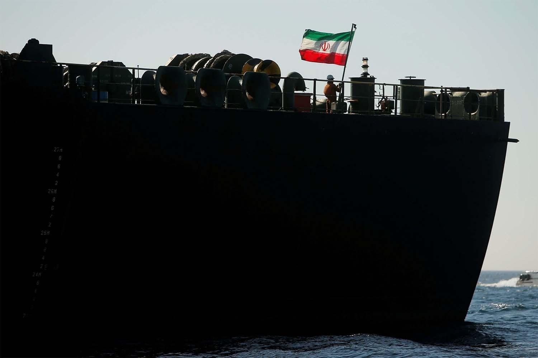 """""""تيليسور"""": القوات الفنزويلية تتجهز لحماية ناقلات النفط الإيرانية"""