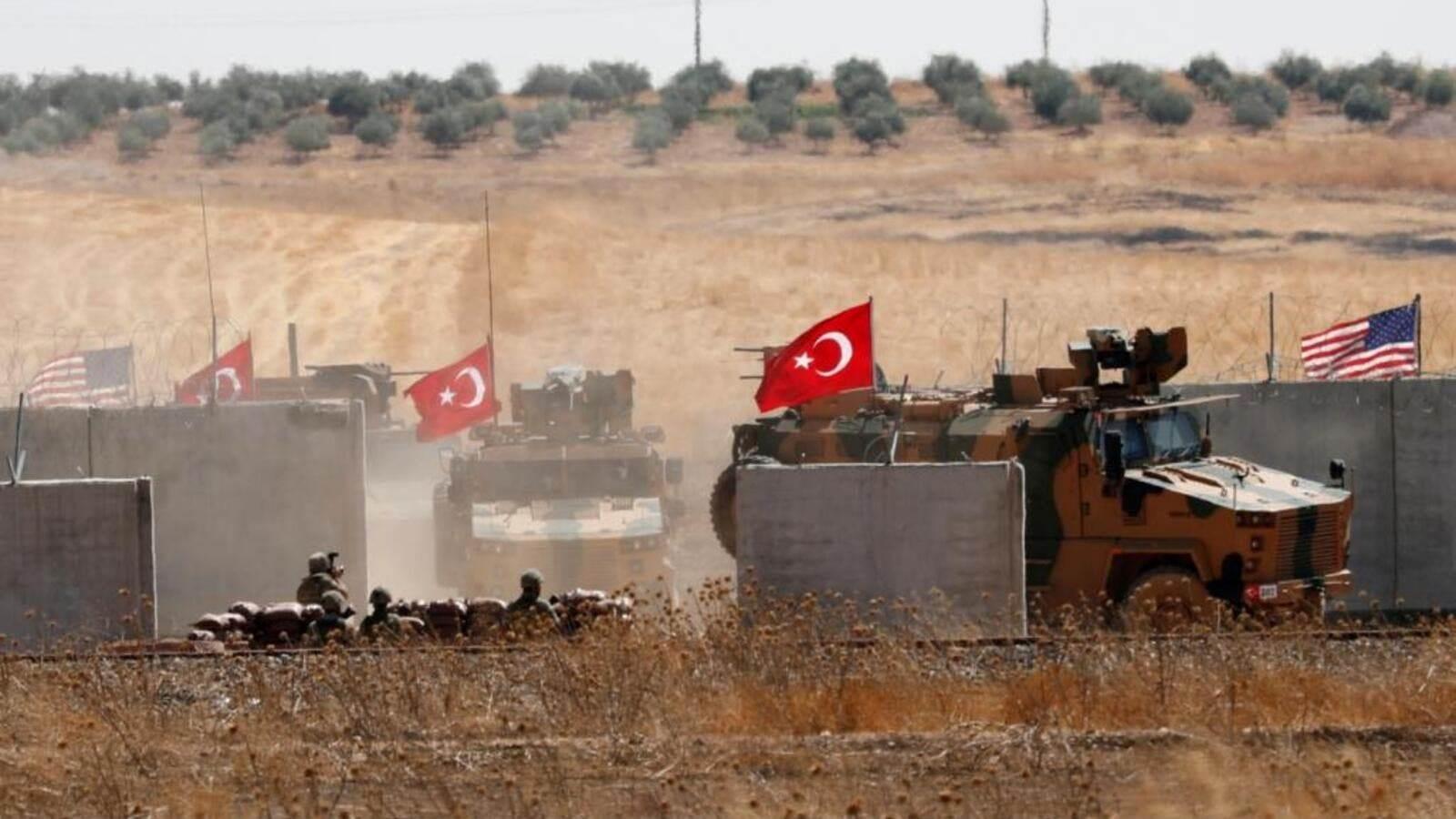 القوات التركية تحرق مساحات واسعة من الحقول الزراعية بريف الحسكة