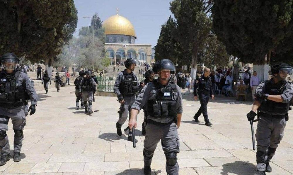 فجر أول أيام عيد الفطر.. اعتداءات إسرائيلية على المصلين في الأقصى