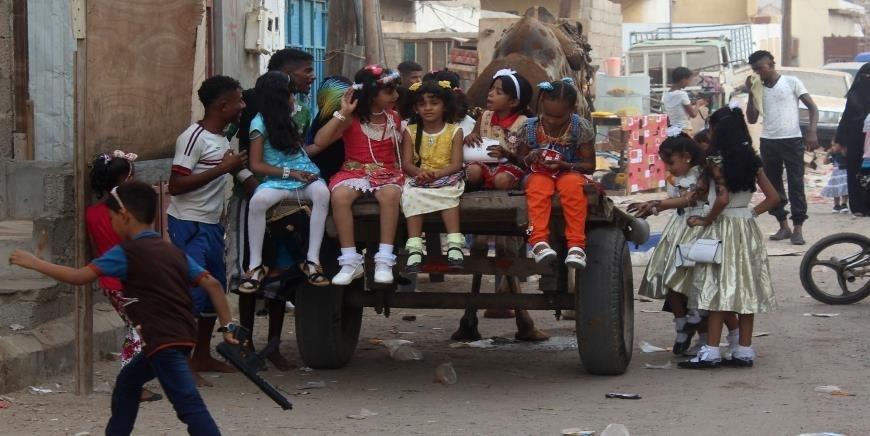 رغم العيد...أكثر من 40 غارة للتحالف السعودي على محافظات يمنية