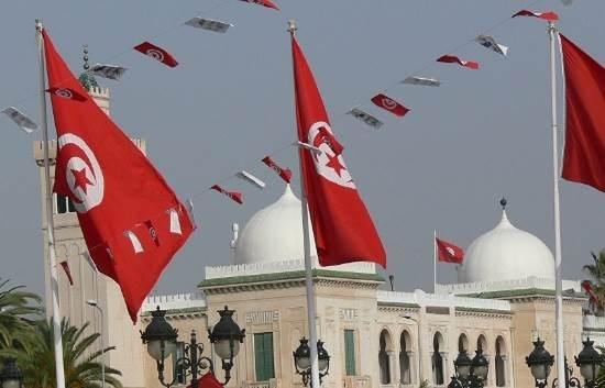 """""""أول إذاعة لحقوق الإنسان"""" في تونس"""
