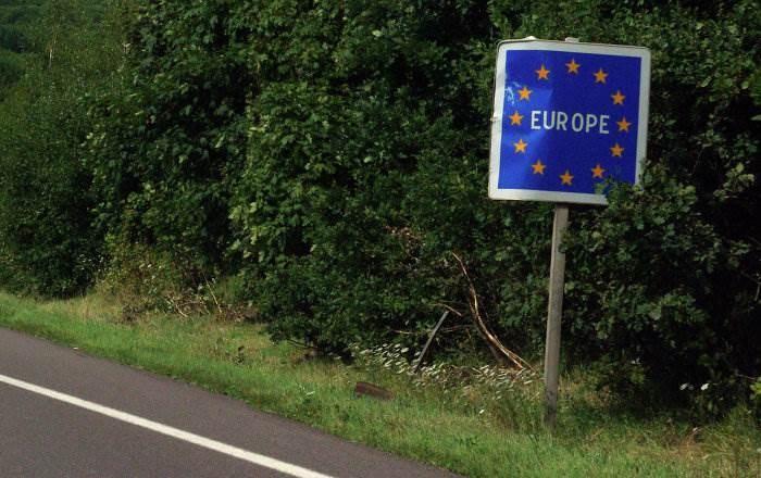 فرنسا وألمانيا تدعوان إلى فتح الحدود بين الدول الأوروبية بأسرع وقت