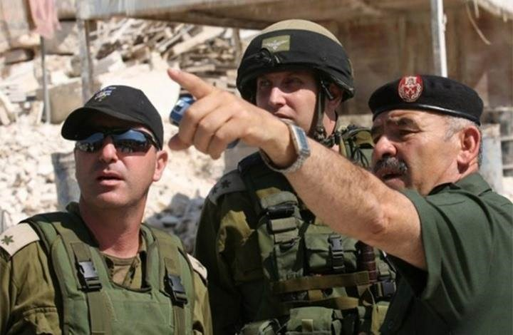 """على خلفية وقف التنسيق الأمني.. """"إسرائيل"""" ستمنع عباس من السفر"""