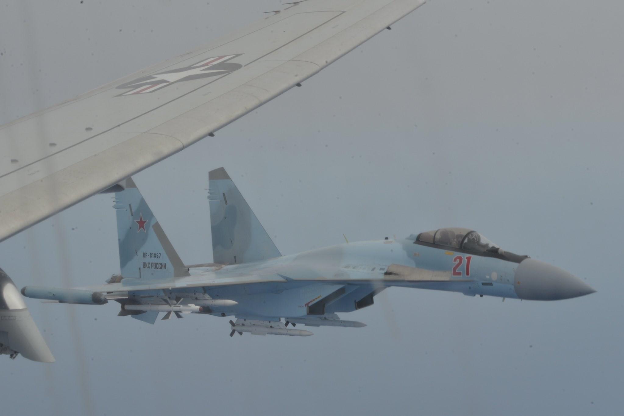 """بالفيديو..  كيف اعترضت """"السوخوي 35""""  الطائرة الأميركية؟"""