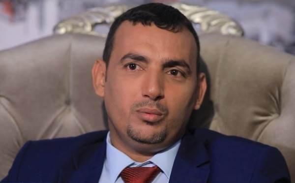 """محافظ سقطرى يدين استقدام """"الانتقالي"""" مسلحين إلى الجزيرة لإثارة الفوضى"""