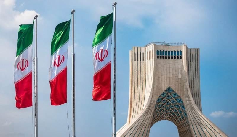 """إيران: إنهاء واشنطن الإعفاءات من العقوبات """"خطوة يائسة"""""""