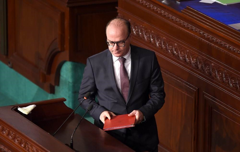 تونس: دعوات لإسقاط حكومة الفخفاخ وحل البرلمان والنهضة تستنكر